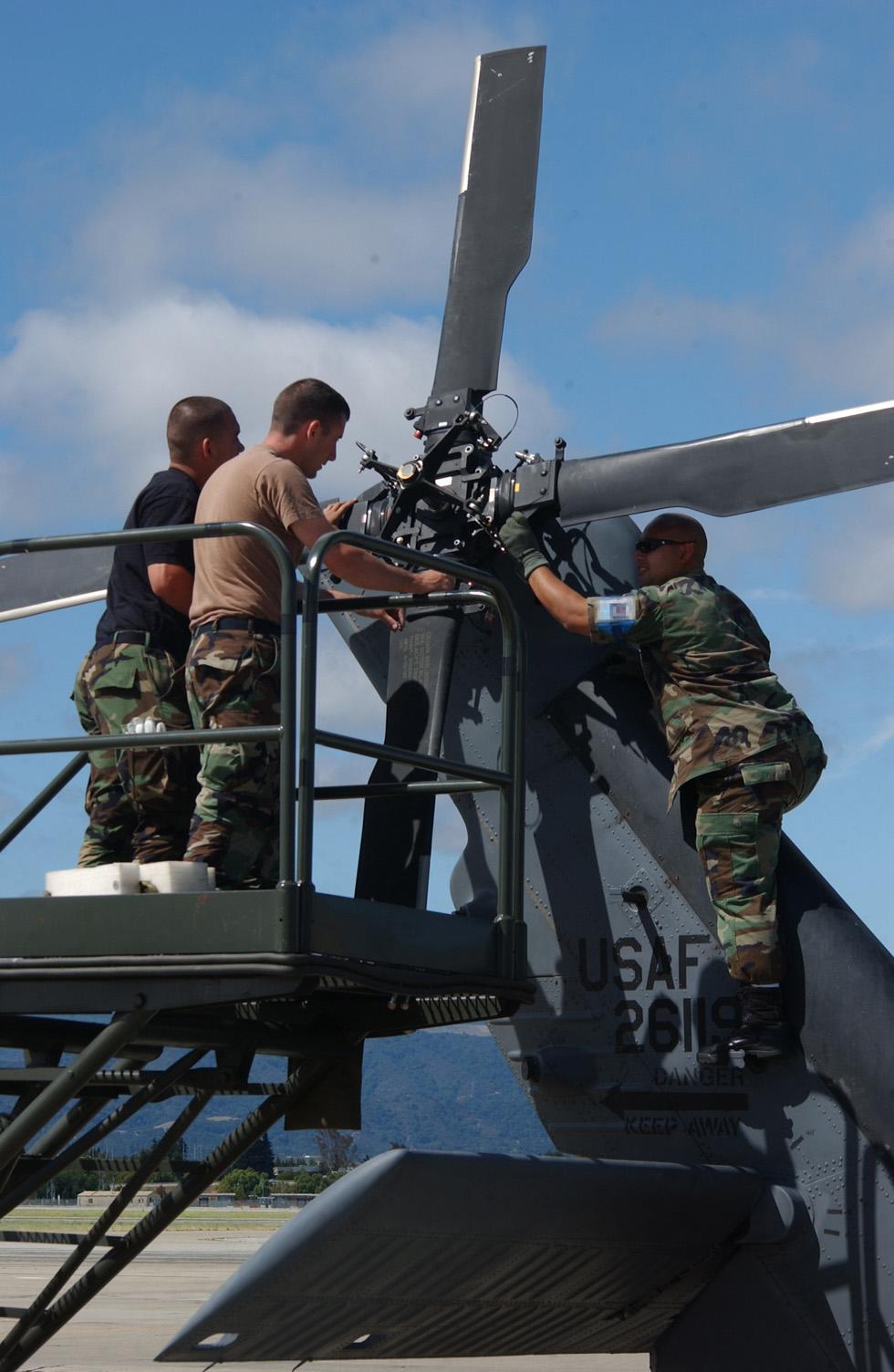 Aircraft Maintenance Engineer Aircraftengineering